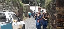 Moradores pedem sinalização em Rua de Ouro Preto para segurança de pedestres e motoristas