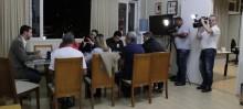 Prefeito de Mariana fala sobre demora no retorno das atividades da Samarco em coletiva de imprensa - Foto de Raissa Alvarenga