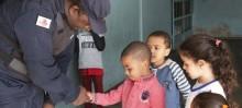 Ronda Escolar realiza visita tranquilizadora nas escolas municipais - Foto de Débora Madeira
